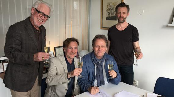Rolf Lövland i avtal med Universal